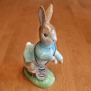"Beatrix Potter 7"" Peter Rabbit figurine"